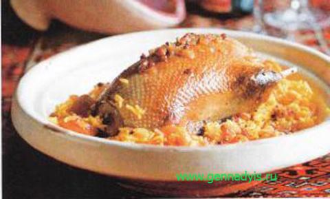 Утка, фаршированная рисом и фруктами