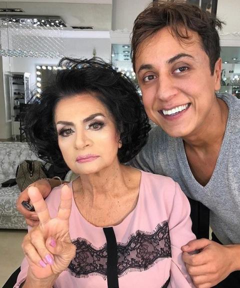 Шикарно — стилист из Азербайджана возвращает бабушкам молодость