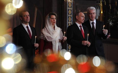 Путин и Медведев поздравили …