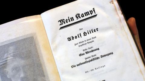 Газета Берлускони бесплатно раздала читателям экземпляры «Майн Кампф»