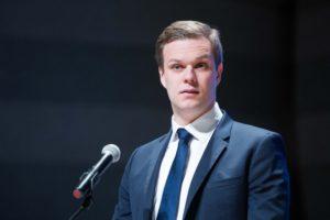 В Литве потребовали отозвать собственного еврокомиссара за его симпатии к России