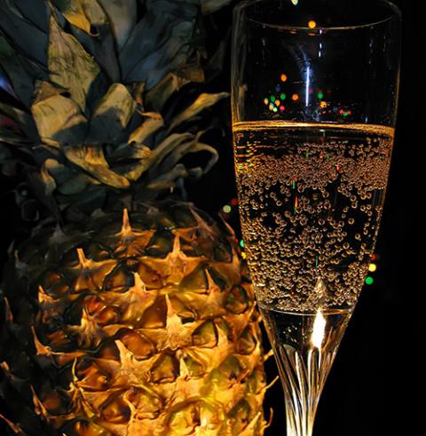 Спиртные напитки. Коктейль «Ананасы в шампанском»