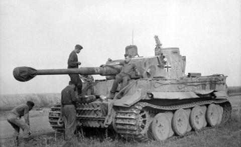 """The Telegraph: """"Нацисты проиграли войну из-за «ужасающей неэффективности»"""""""