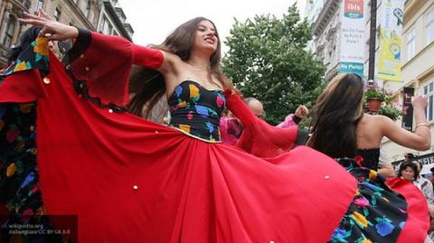 На Стефановской площади прошел фестиваль «Диалог культур»