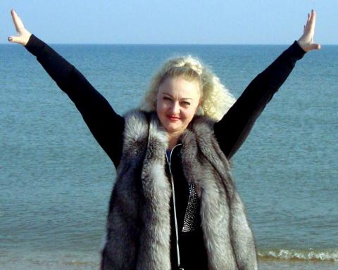Елена Крапивина