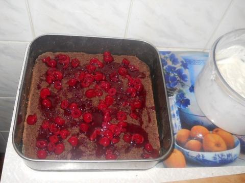 Фото приготовления рецепта: Шварцвальдские пирожные - шаг №16
