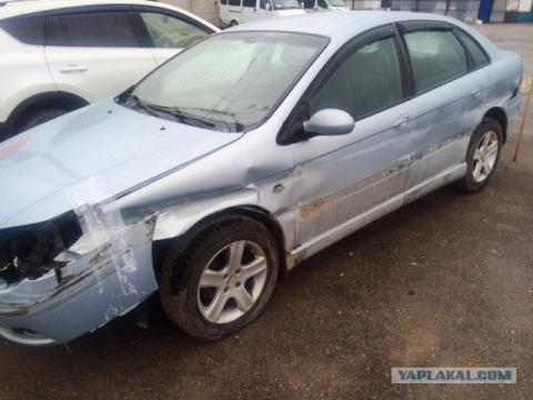 Жена разбила машину