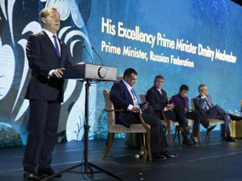 «Маниловщина» Медведева: Эко…
