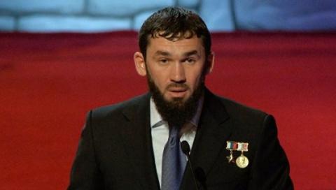 Новости России: на обвинения в преследовании «чеченских геев» ответил спикер парламента Чечни
