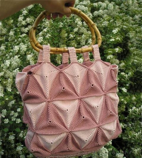 Необычная сумка крючком