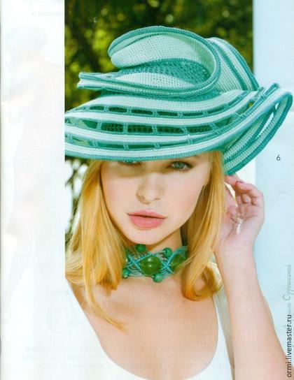 Замечательная мастерица из Москвы создает необыкновенной красоты вязаные шляпки