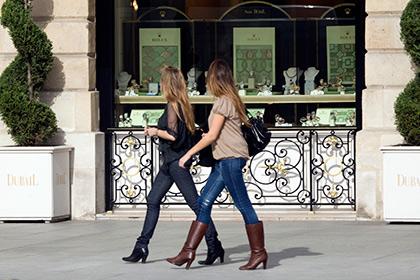 Вы все еще хотите в Париж? Половина француженок отказалась от юбок из-за сексуальных домогательств