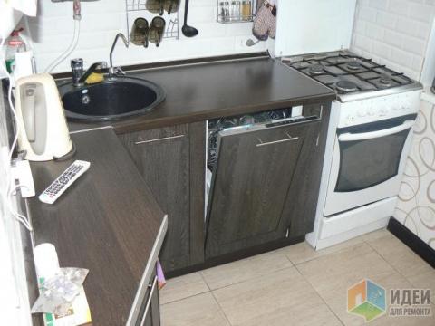 Маленькая кухня, 4,8 квадратных метра, посудомойка