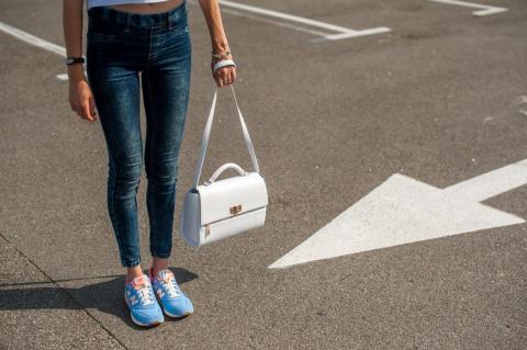 Как продлить жизнь любимой сумке