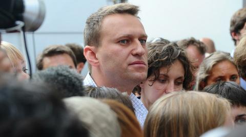 Навальный проводит митинг в Астрахани