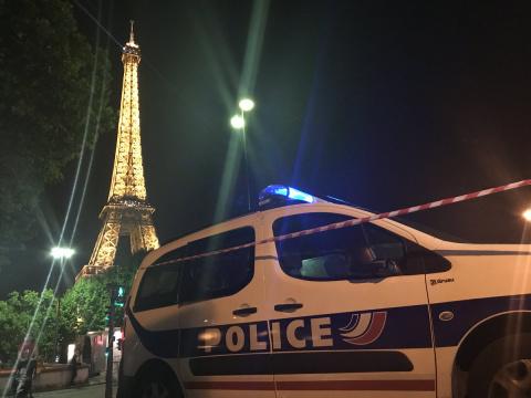 Оцеплена Эйфелева башня, эвакуирован Северный вокзал в Париже – подозрение на теракт