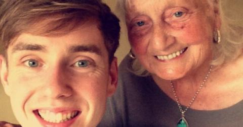 85-летняя бабушка ввела в строку поиска такой необычный запрос, что компания Google отреагировала на него публично