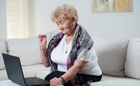 Старички-онлайнеры: Чего пен…