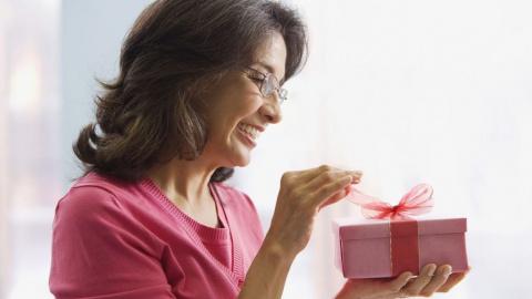 Подарки детям от свекрови — это всегда поношенные вещи