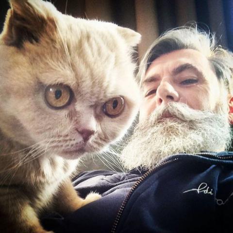 Пенсионер отрастил бороду и …