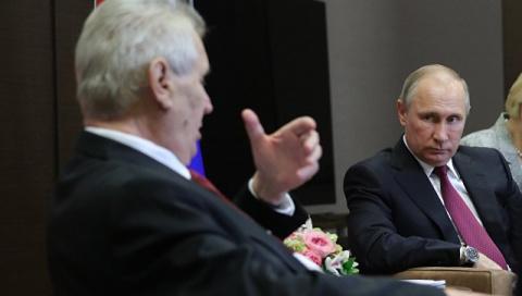Земан заявил Путину, что с санкциями нужно заканчивать