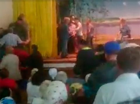 Украинские крестьяне избили …