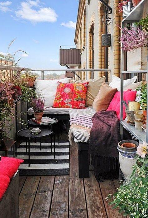Замечательные и компактные идеи мебели для обустройства маленьких балконов