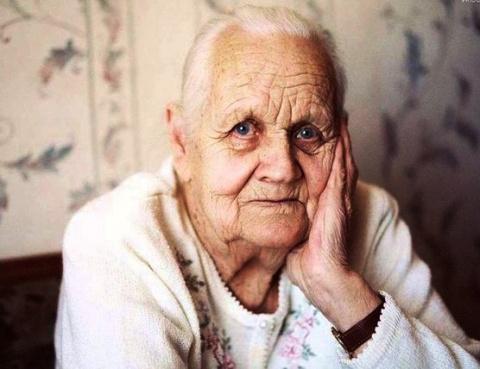 Стареющая мама написала письмо молодым детям. Такое точное, что аж больно