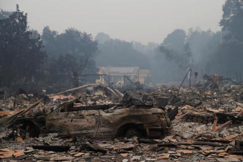Лесные пожары в Калифорнии: более 40 погибших
