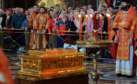 «Святитель Николай, взирая на нас с Неба, огорчается, всё это видя»