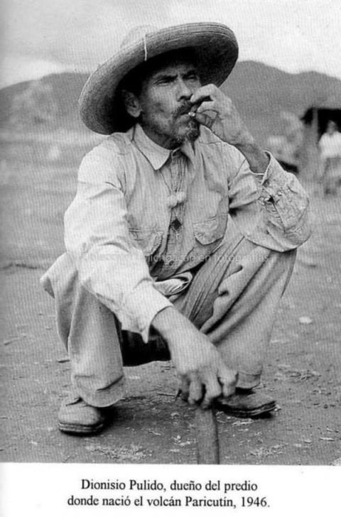 Дионисио Пулидо - законный владелец действующего вулкана. Мексика, 1946 год