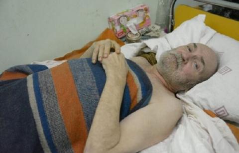 Одинокий пенсионер пять дней лежал на полу своего дома не в силах подняться...