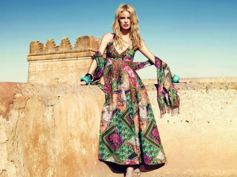 Как можно носить длинный сарафан?
