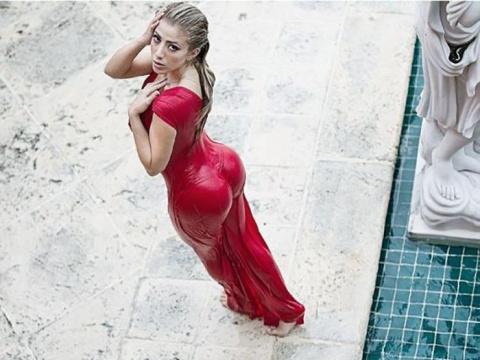 Откровенные фото Валерия Орсини похлеще селфи Ким Кардашьян