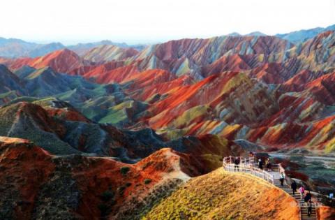 Цветные скалы Чжанъе Данксиа…