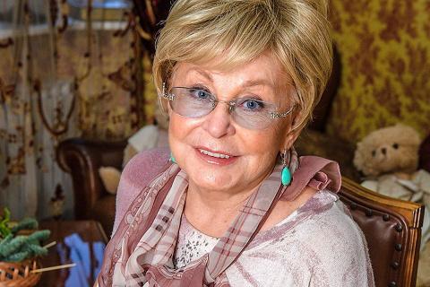 Ангелина Вовк получила новое лицо за 800 тысяч рублей