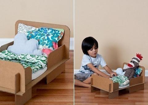 САМОДЕЛКИ. Кроватка для куклы, мастерим из картона