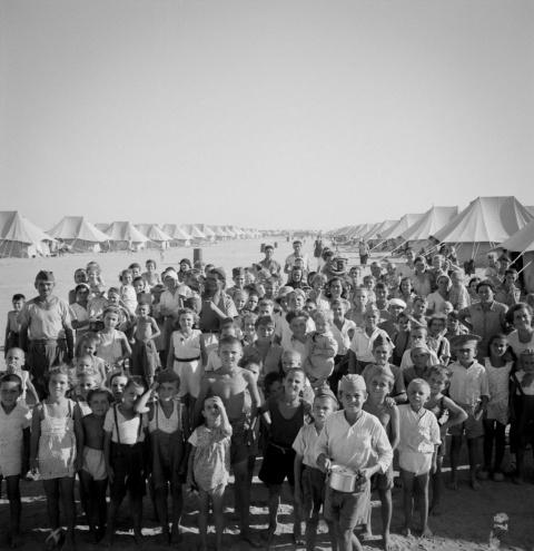 Фотографии европейских беженцев, спасавшихся во Вторую мировую войну в Синайской пустыне