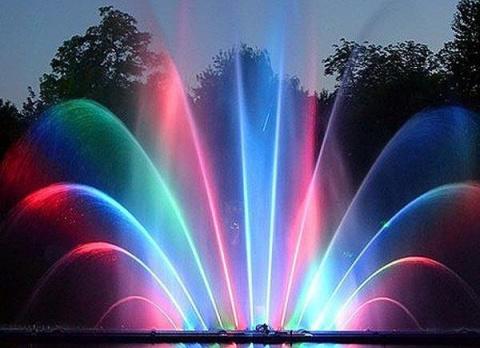 Феерия цвета: светодиодный фонтан на дачном участке