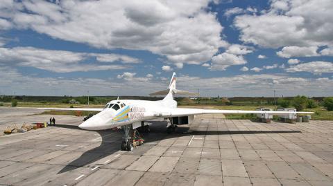 Обновленный ракетоносец Ту-160М2 взлетит в 2018 году