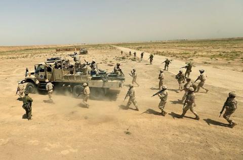 Армия Ирака отвоевывает у террористов город Таль-Афар