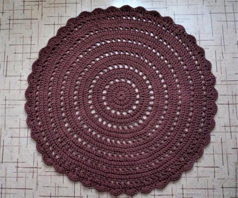 Вяжем крючком уютный круглый коврик из трикотажной пряжи. Мастер-класс