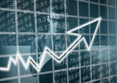 Центробанк РФ снизил процентную ставку впервые за 11 месяцев