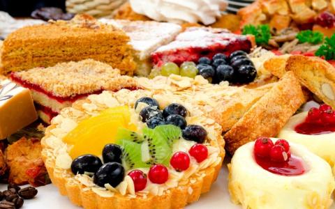 Десертный вихрь. 10 тортов и пирожных не требующих духовки
