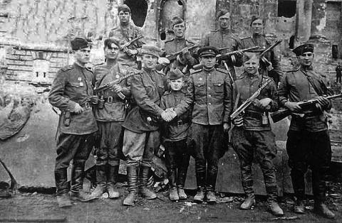 Умер последний участник штурма Рейхстага