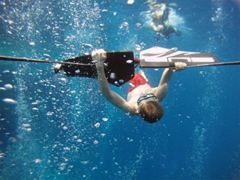 Subwing - возможность летать под водой