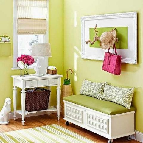 Новая яркая жизнь старой мебели