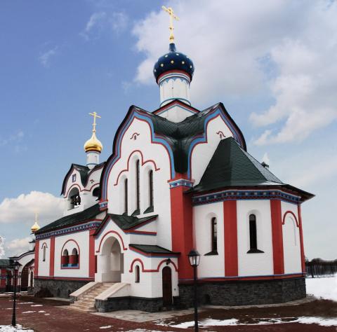 Храм Покрова Пресвятой Богородицы в селе Красном Хвастовичского района Калужской области