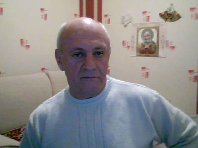Александр Бескаравайный