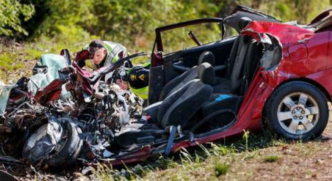 Она погибла, отправляя сообщение за рулем.